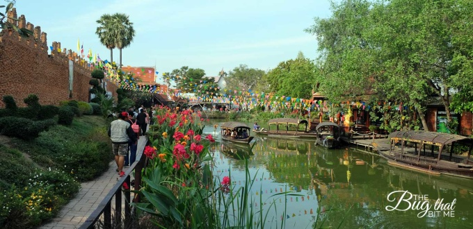view of the waterway at the Ayutthaya Floating Market